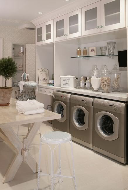 10 Laundry Room Inspirations